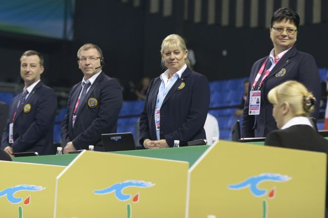 Karl Wharton (second from the left) and Rosy Taeymans (third from the left) among TC colleagues at the 2016 World Championships in Putian (CHN).
