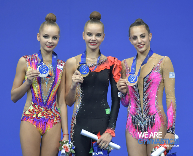 The 2017 World All-around podium, left to right: Arina Averina (RUS), Dina Averina (RUS) and Linoy Ashram (ISR)